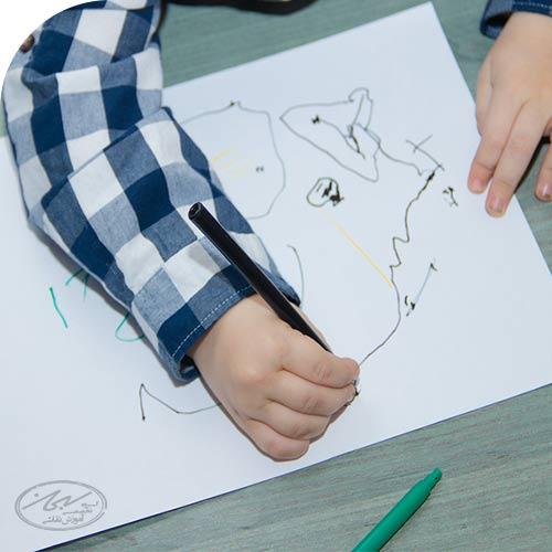 نقاشی های کودک در سه سالگی