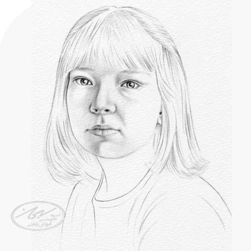سایه زدن رنگ دهان در طراحی چهره با تکنیک سیاه قلم